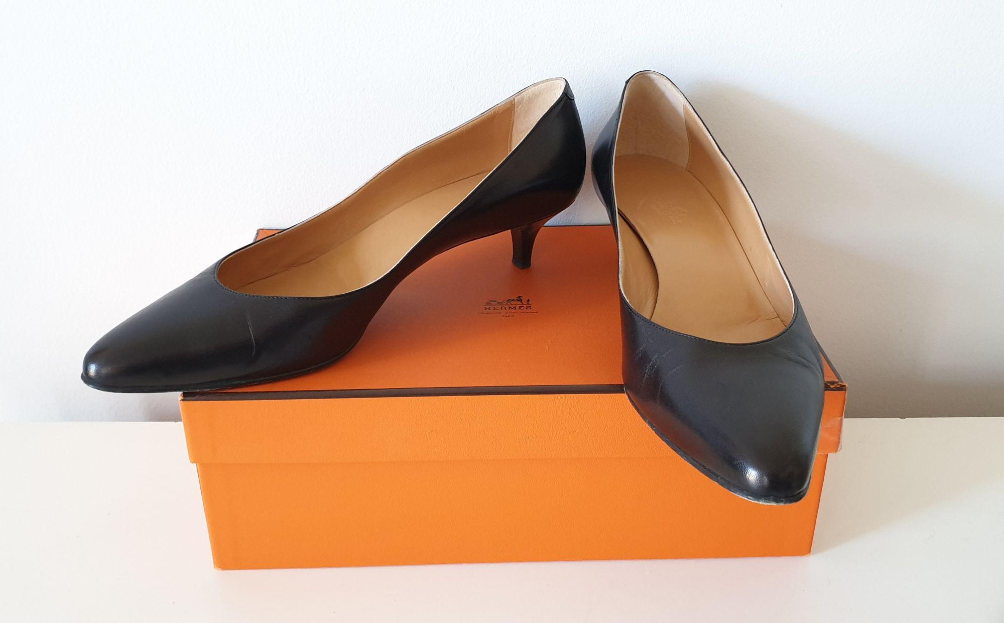 Escarpins Hermès en cuir noir