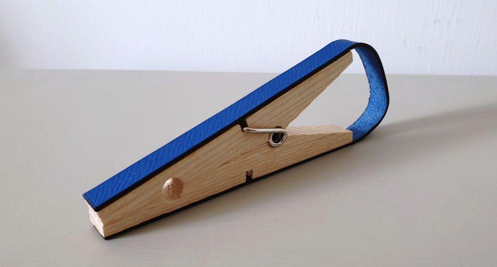 Hermès Petit H paper clip in blue calf leather